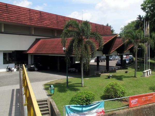Tun abdul razak hall sarawak museum asia for visitors - Wohnzimmer hallt was tun ...